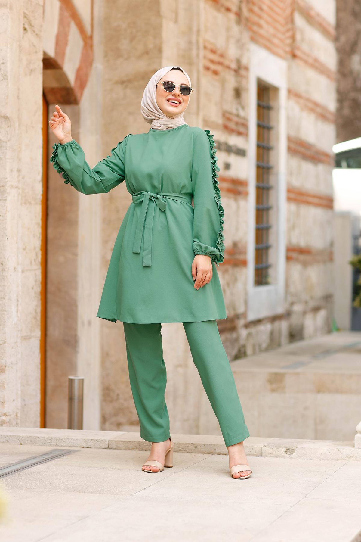 Kolları Fırfırlı Tunik & Pantolon İkili Takım - Yeşil